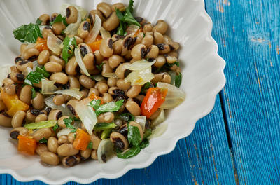 bowl of black eyed peas and vegetables